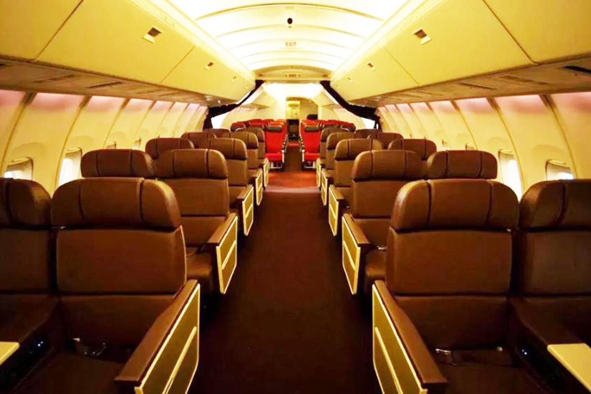 Virgin Atlantic 747 Premium Cabin Interior - Upper Deck